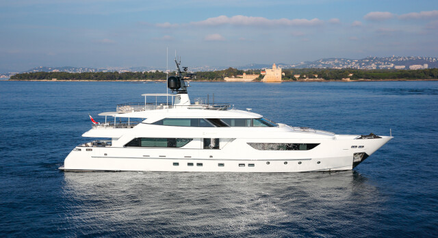 KK Superyachts announces the successful sale of 37m Sanlorenzo SD122' M/Y ELINOR.