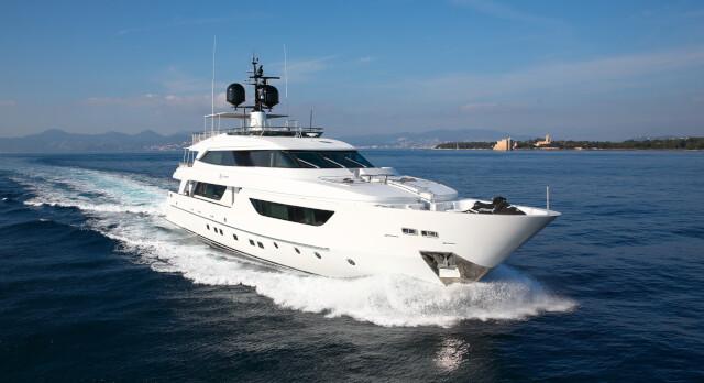 KK Superyachts  announces € 500K  price drop on San Lorenzo SD122 ELINOR.