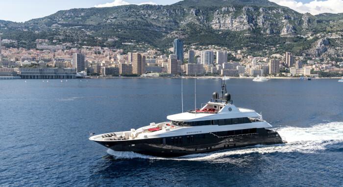 42-metre GRAYZONE SOLD by KK Superyachts and Drettmann Yachts