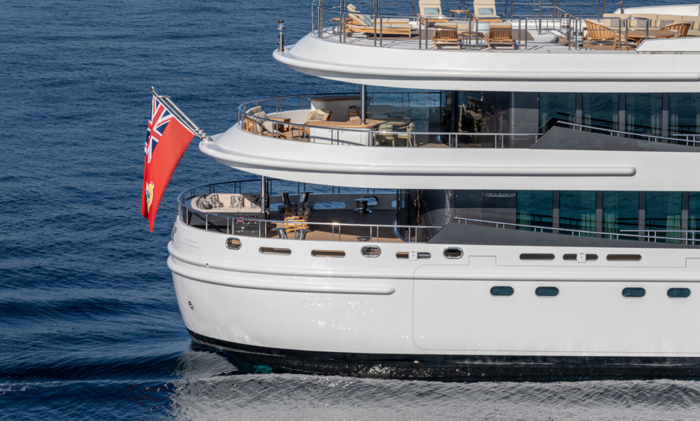 Luna B yacht for Charter 7