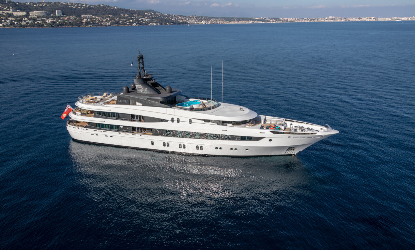 Luna B yacht for Charter 4