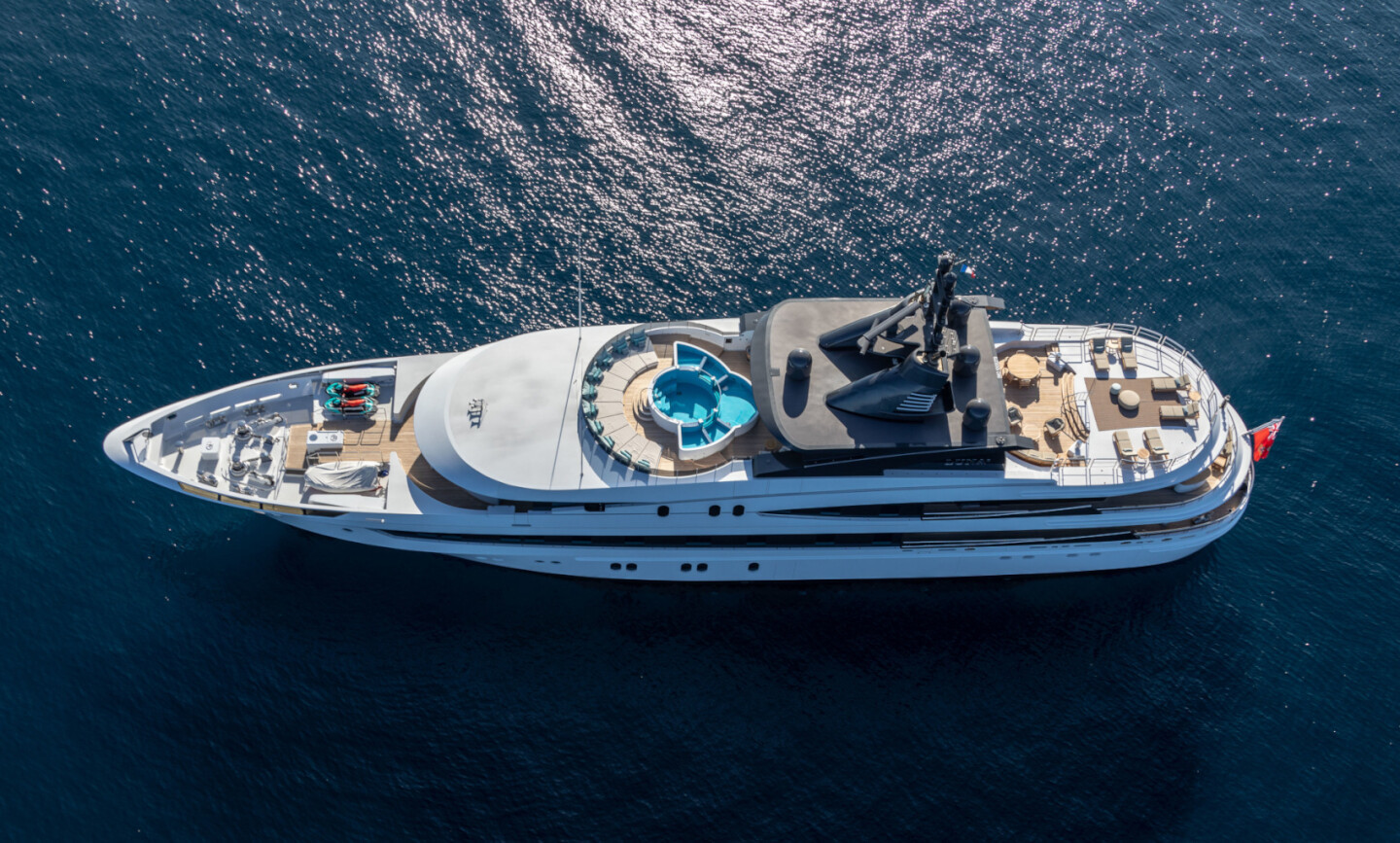 Luna B yacht for Charter 5