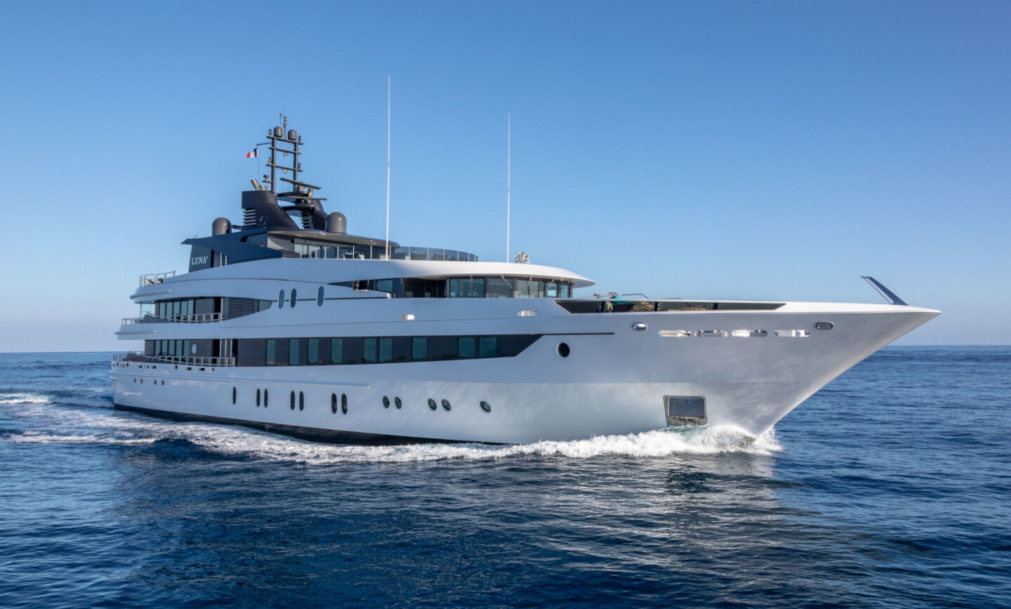 Luna B yacht for Charter 2