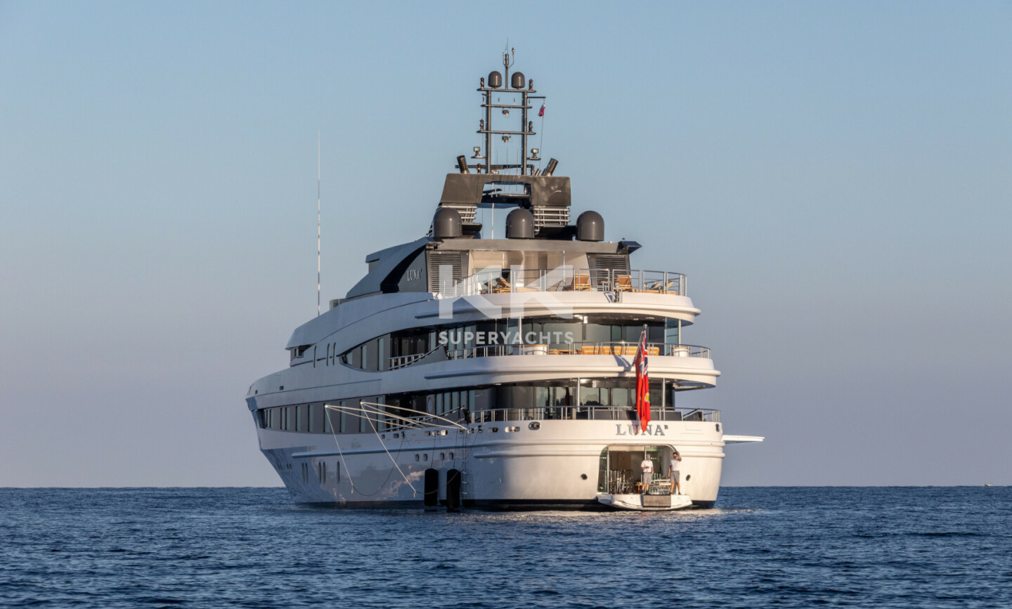 Luna B yacht for Charter 64