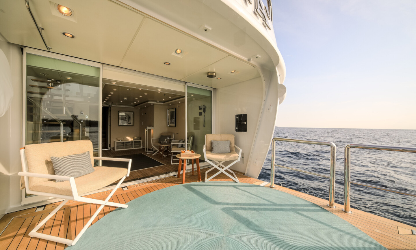 Luna B yacht for Charter 69