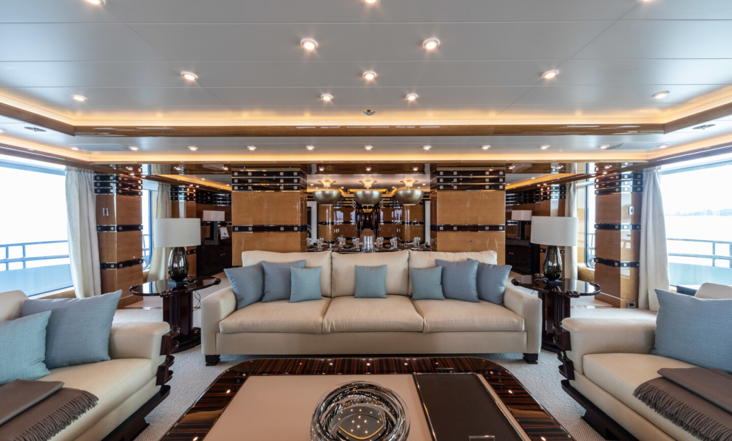 Luna B yacht for Charter 26