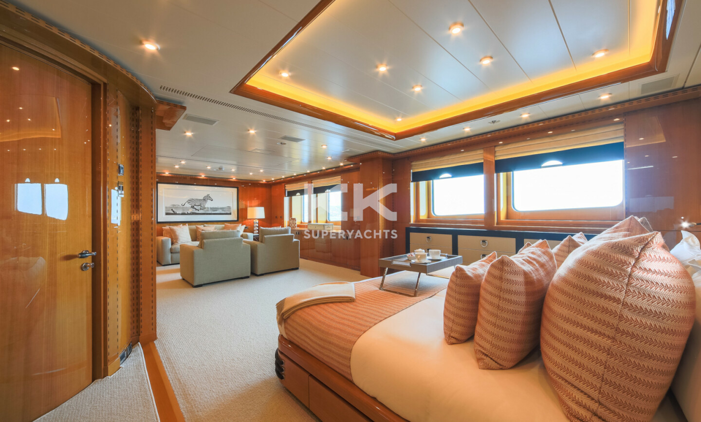 Luna B yacht for Charter 34