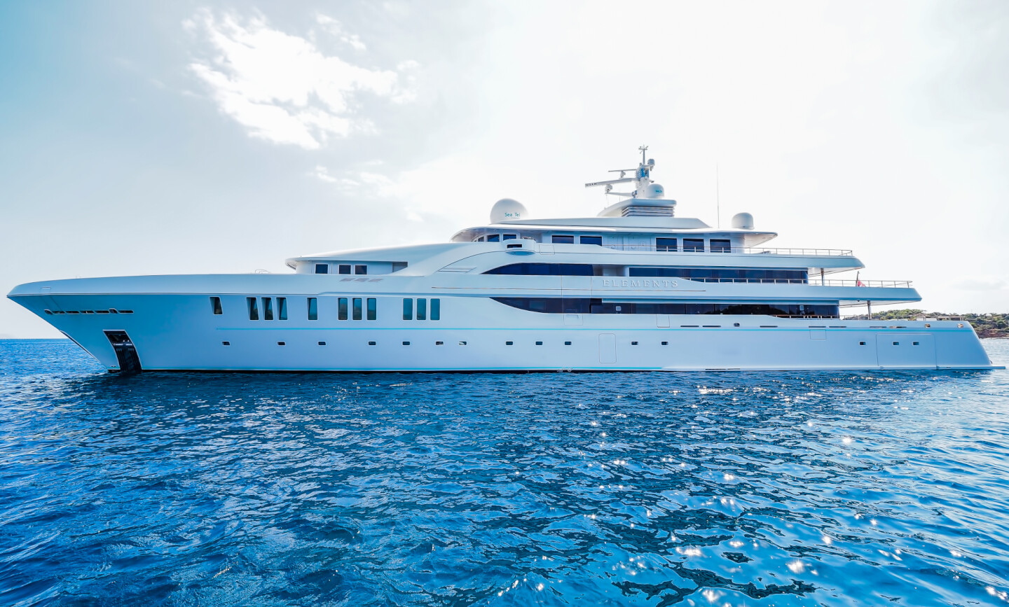 Elements yacht for Charter