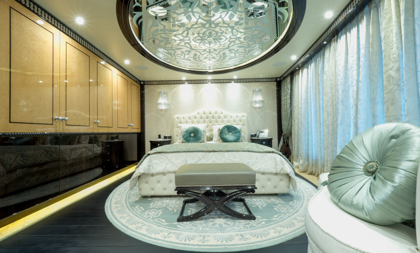 Elements yacht for Charter 6