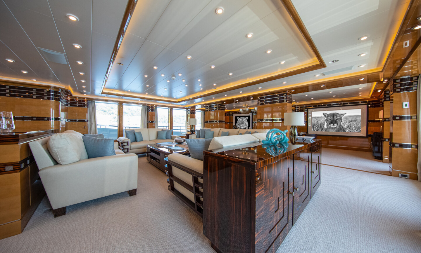 Luna B yacht for Charter 29