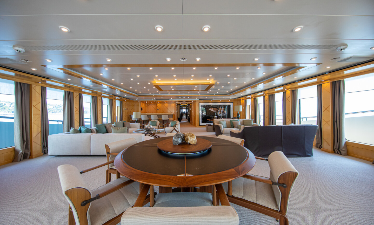 Luna B yacht for Charter 24