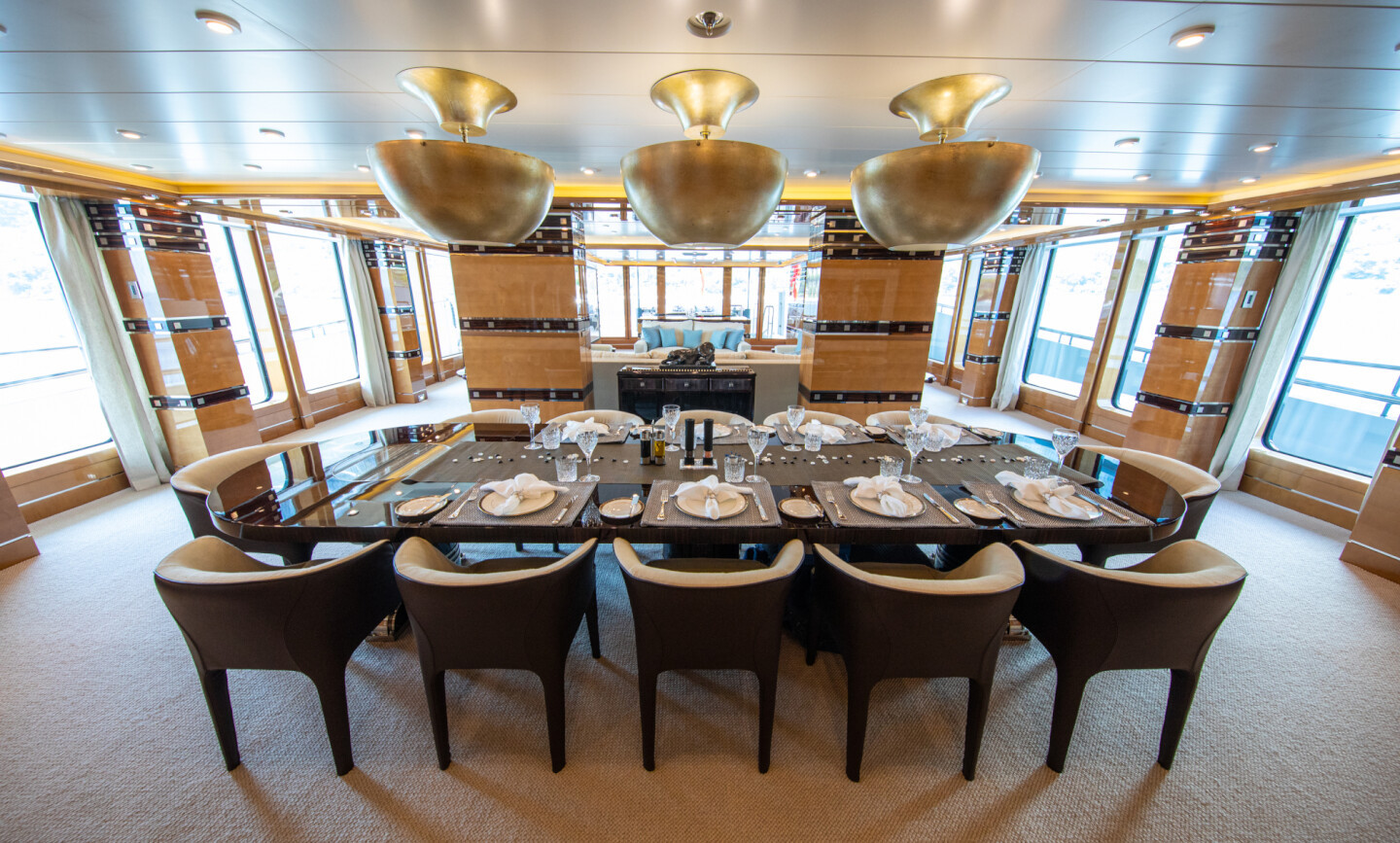 Luna B yacht for Charter 31