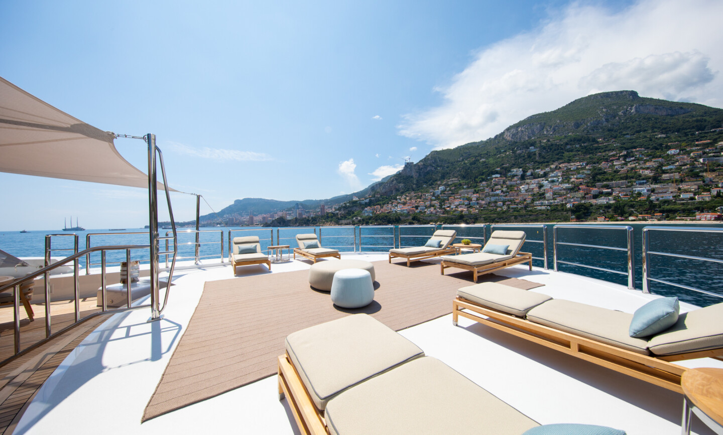 Luna B yacht for Charter 15