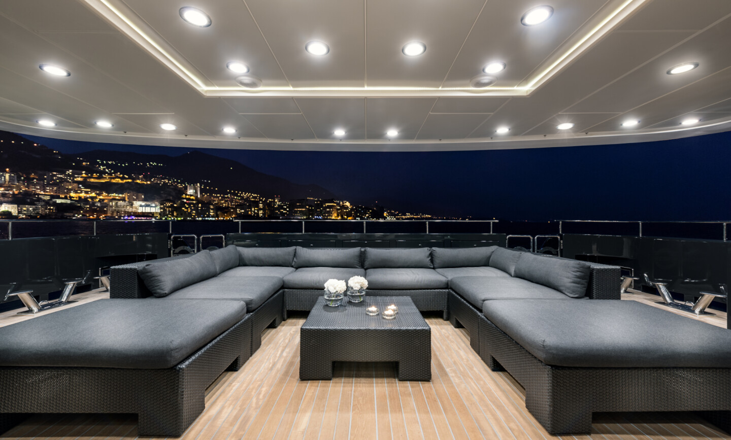 Grayzone yacht for Charter 10
