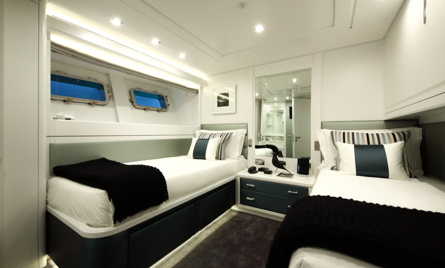 Elinor yacht for Sale 22