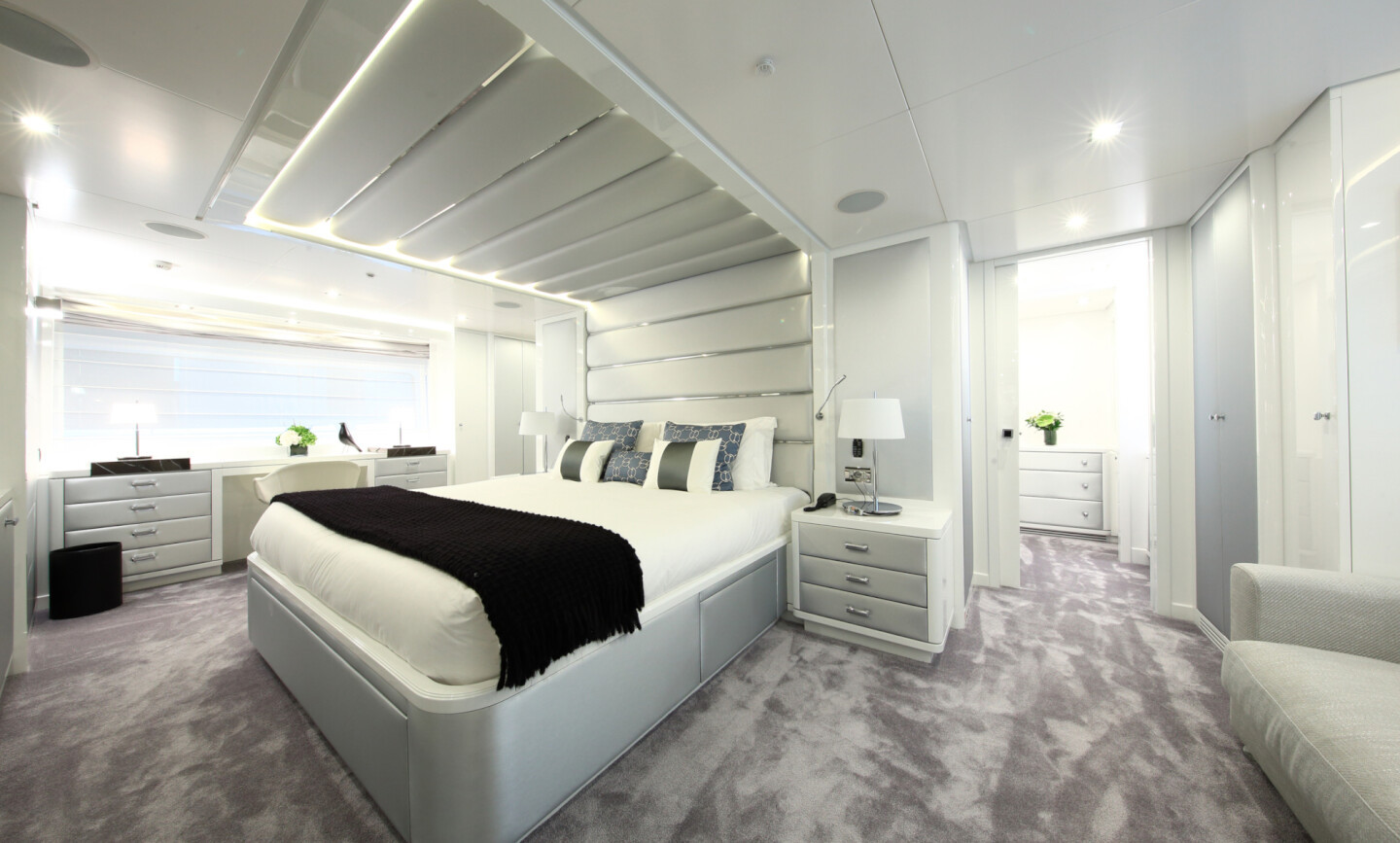 Elinor yacht for Sale 18