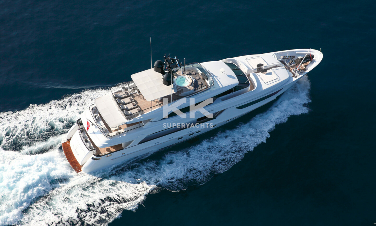 Elinor yacht for Charter