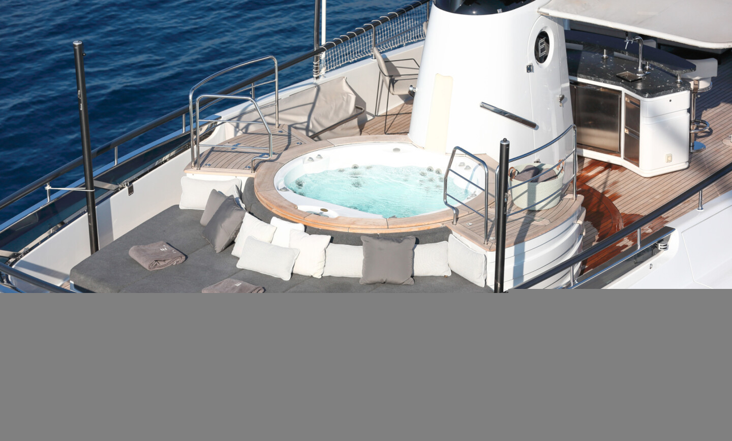 Elinor yacht for Charter 5