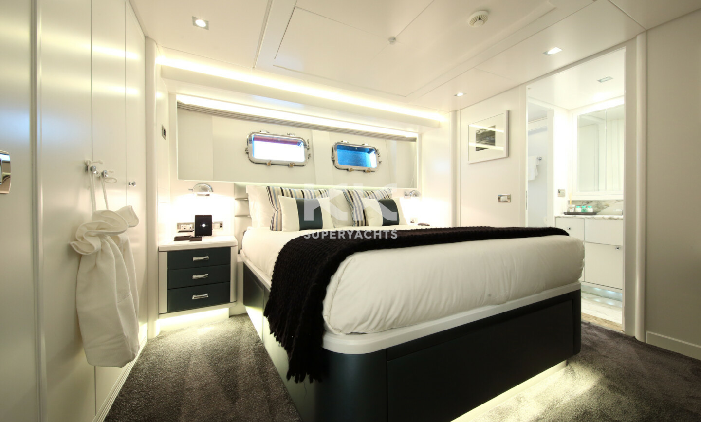 Elinor yacht for Charter 18