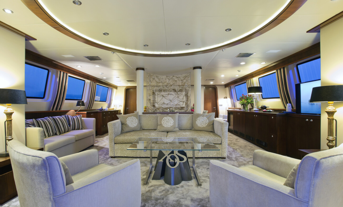 Xo Of The Seas yacht for Charter 7