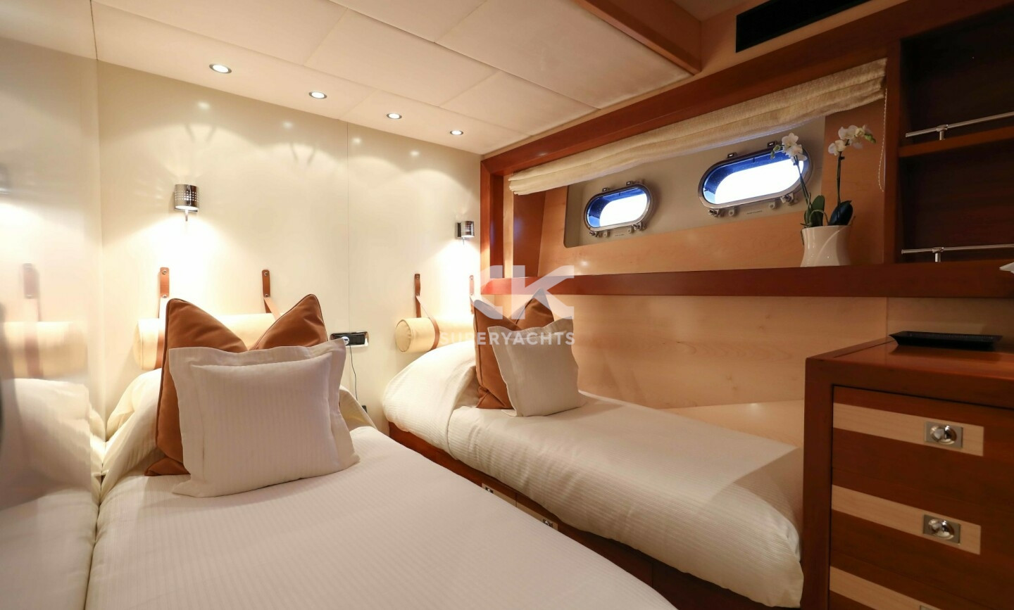 Etoile D'azur yacht for Charter 15