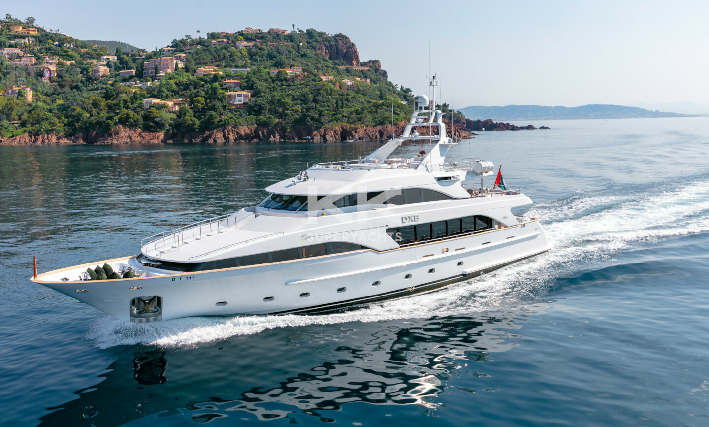 DXB yacht for Charter 2