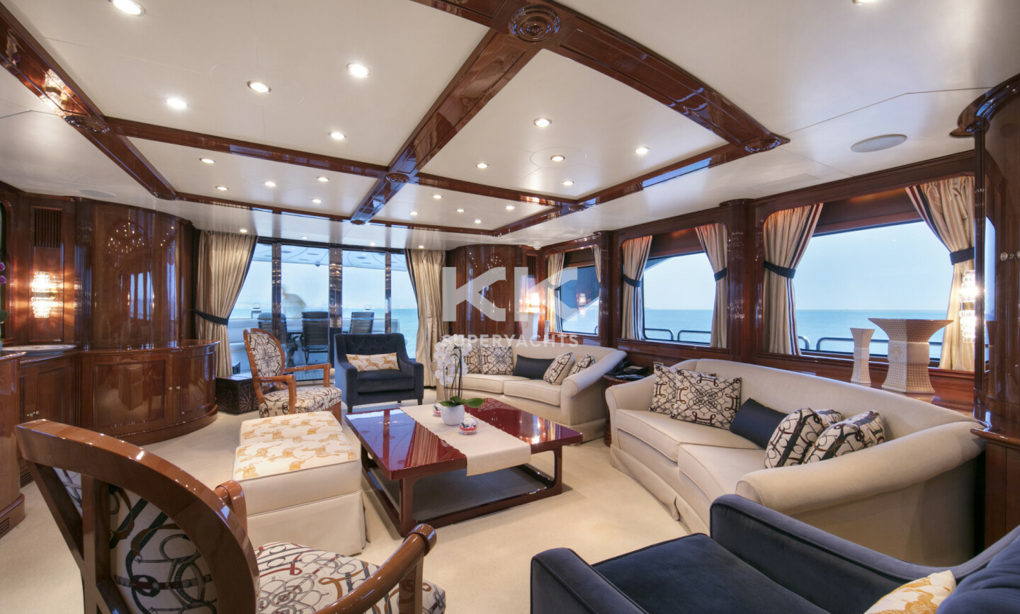 DXB yacht for Charter 5