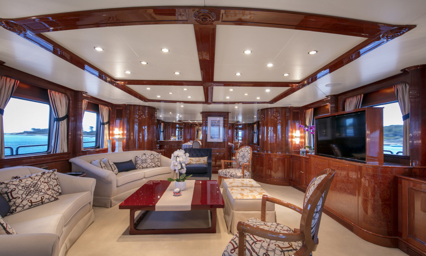 DXB yacht for Charter 6