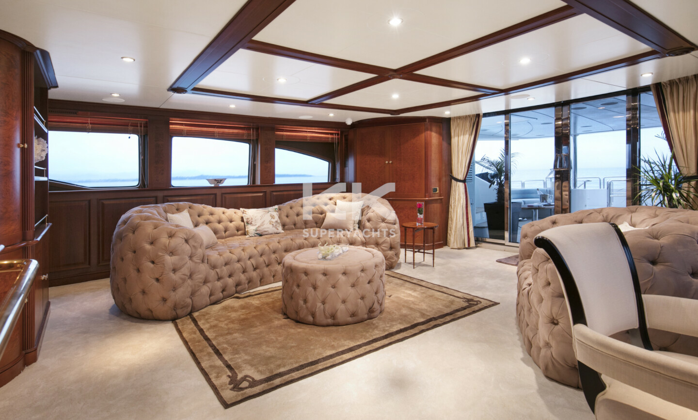 DXB yacht for Charter 7