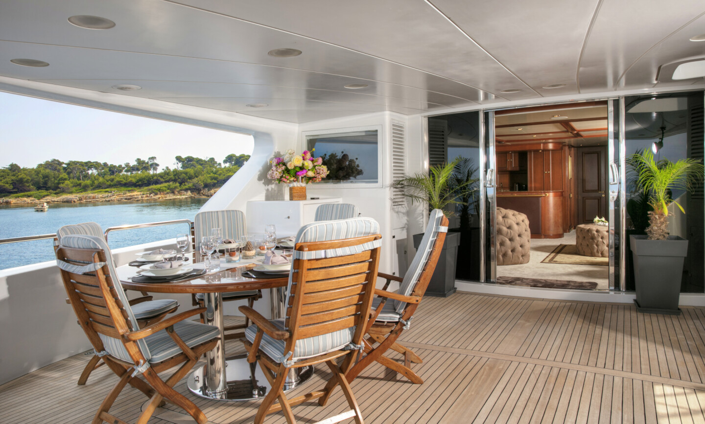 DXB yacht for Charter 11
