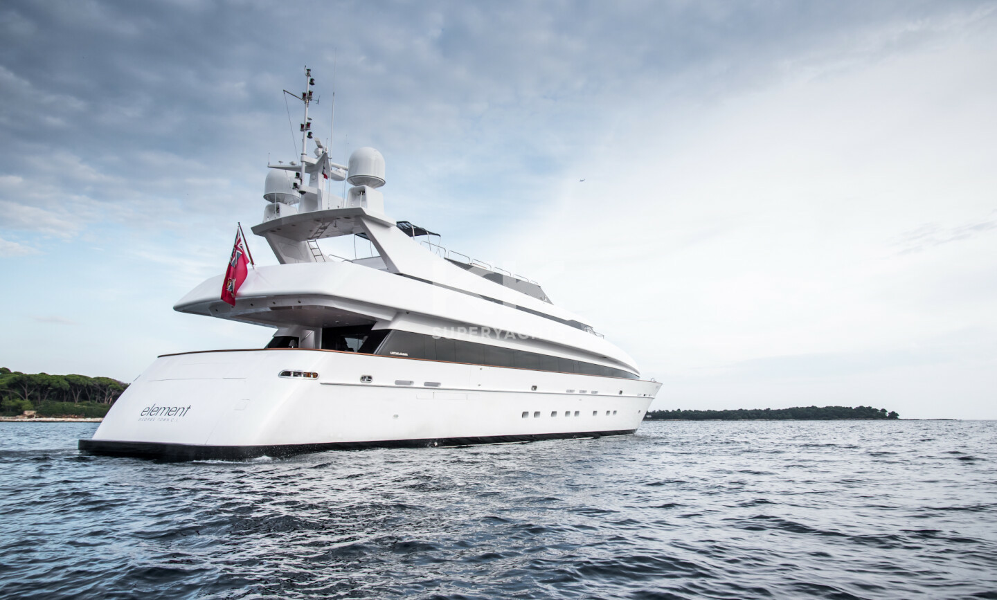 Element yacht for Charter 11