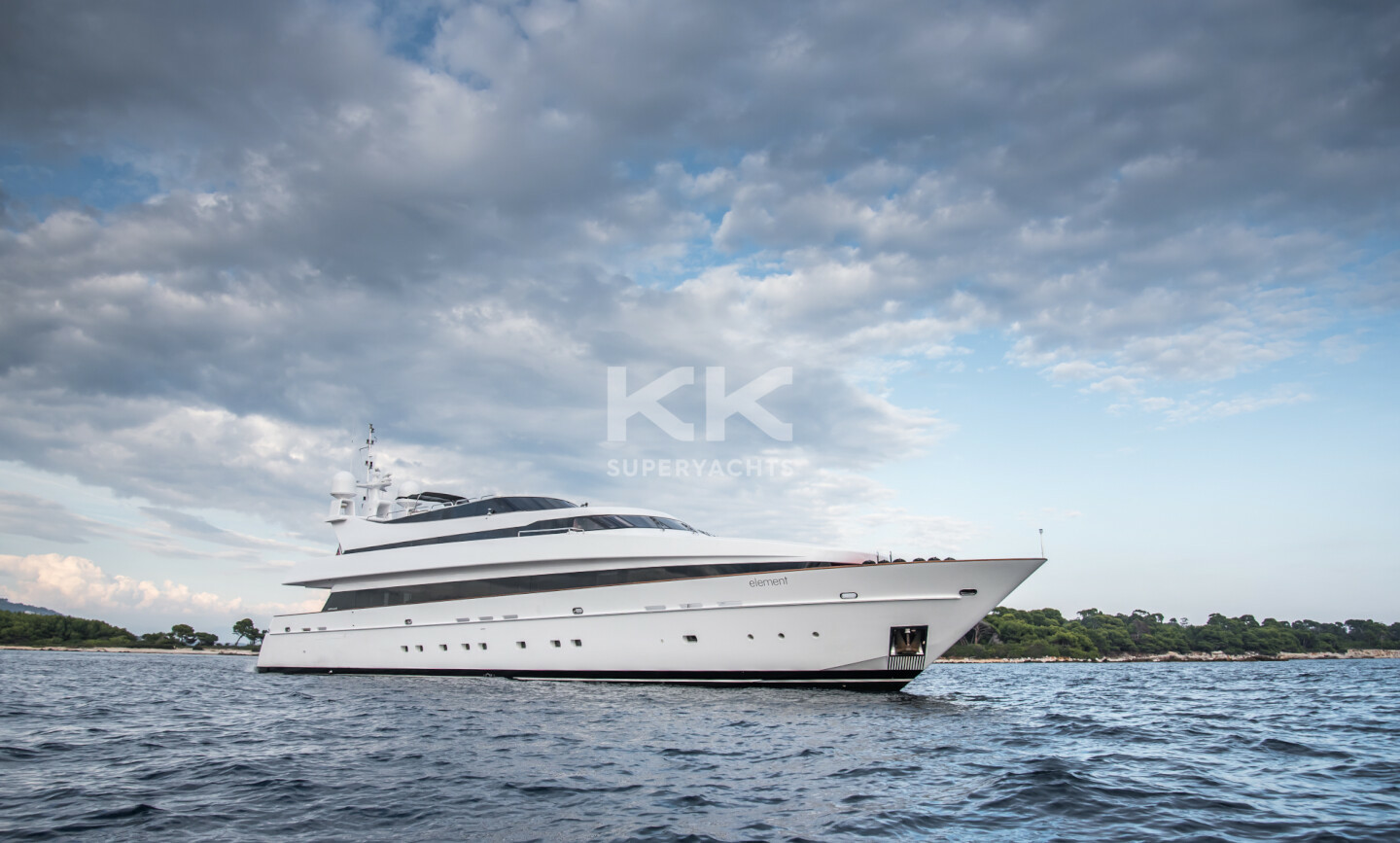 Element yacht for Charter 2