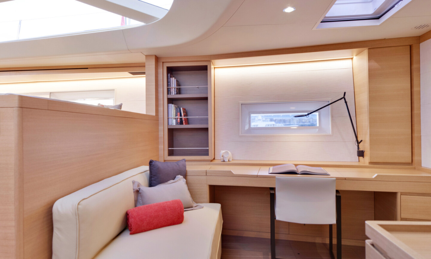Crossbow yacht for Charter 8