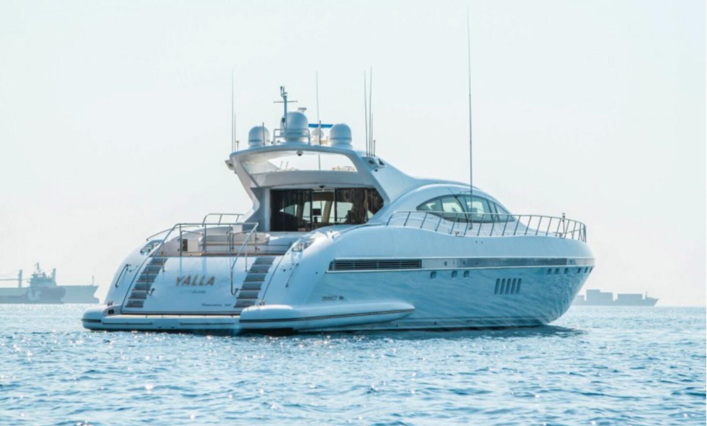 Yalla yacht for Charter 22